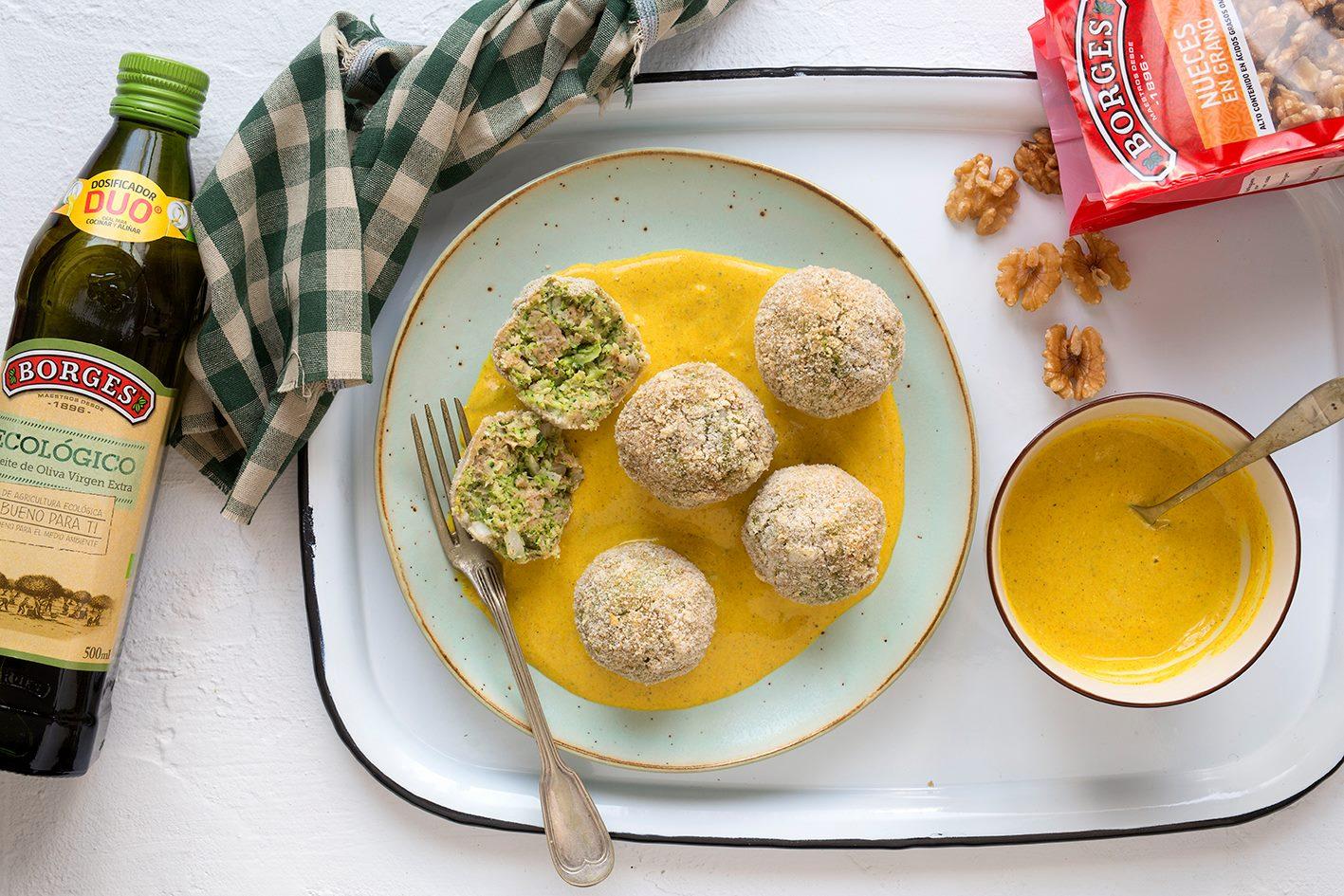 橄欖油推薦食譜:花椰菜丸佐薑黃醬汁